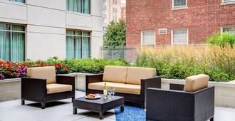 Courtyard by Marriott Washington, DC/Foggy Bottom - Washington - Patio