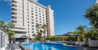 Hotel Grand Chancellor Adelaide - Adelaide - Bể bơi