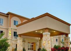 Comfort Inn & Suites - Alvarado - Building