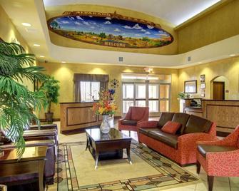 Comfort Inn And Suites Alvarado - Alvarado - Lobby