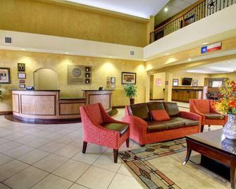 Comfort Inn And Suites Alvarado - Alvarado - Salónek