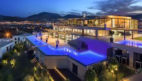 Ramada Resort by Wyndham Bodrum - Bodrum - Edificio