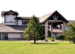 AmericInn by Wyndham Osceola - Osceola - Building