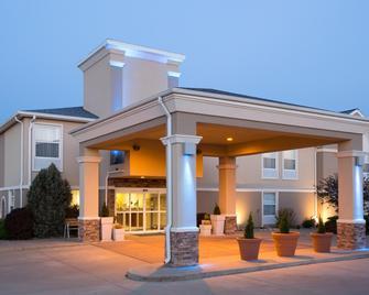 Holiday Inn Express Hotel & Suites Abilene, An IHG Hotel - Abilene - Building