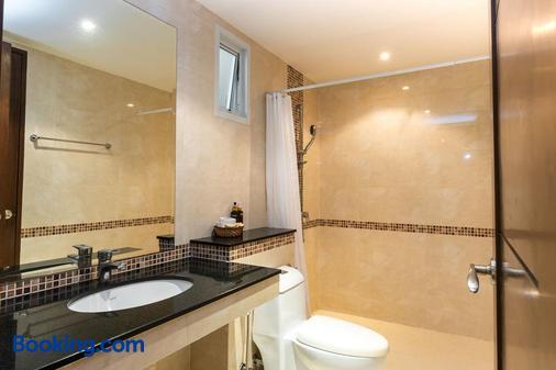 喬木提恩海灘頂屋酒店 - 芭達亞 - 浴室