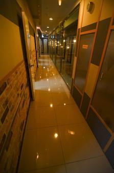 Kimchee Gangnam Guesthouse - Σεούλ - Διάδρομος