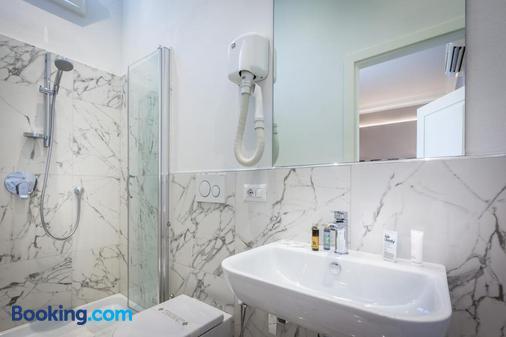 Hotel Emma - Florence - Phòng tắm
