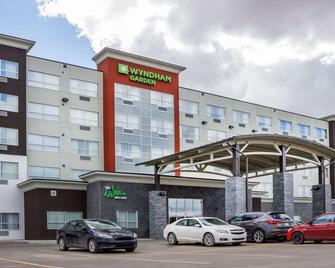 Wyndham Garden Edmonton Airport - Leduc - Building
