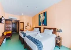 CC's Hideaway - Karon - Bedroom