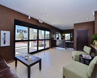 Americas Best Value Inn And Suites Cuero - Cuero - Lobby