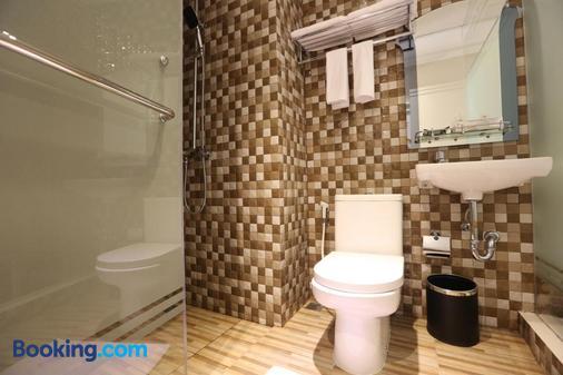 F Hotel Jakarta - South Jakarta - Phòng tắm