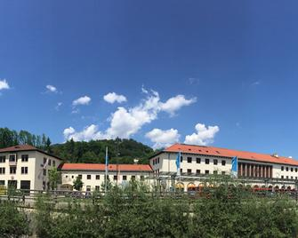 Ks Hostel Berchtesgaden - Berchtesgaden - Edificio