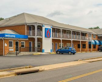 Motel 6-Falls Church, Va - Arlington Boulevard - Falls Church - Building