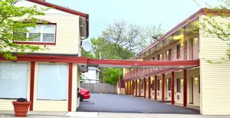 Passport Inn 3rd Street - Cataratas del Niágara - Vista del exterior