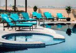 阿瑞斯廣場酒店 - 杜拜 - 杜拜 - 游泳池