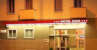 โรงแรมซูซา - มิลาน
