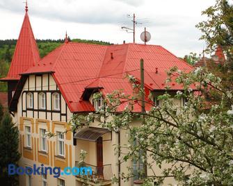 Vila Vysehrad - Luhačovice - Edificio