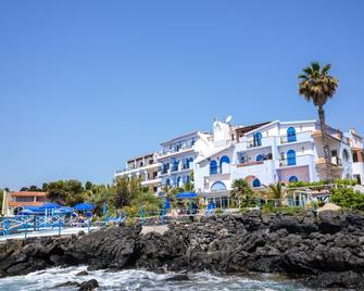 Nike Hotel - Giardini Naxos - Building