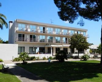 Hôtel Spa La Madrague - Lucciana - Gebäude