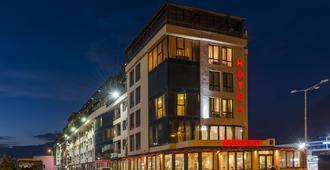 Avenue Hotel - בורגאס