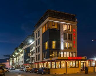 Hotel Avenue - Burgas - Building
