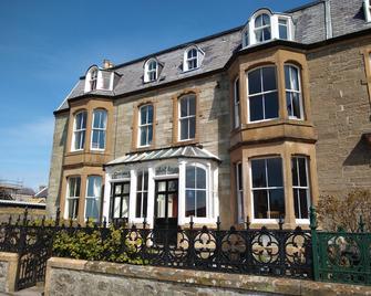 Solheim Guest House - Lerwick - Building