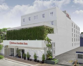 Hilton Garden Inn Guatemala City - Guatemala City - Building