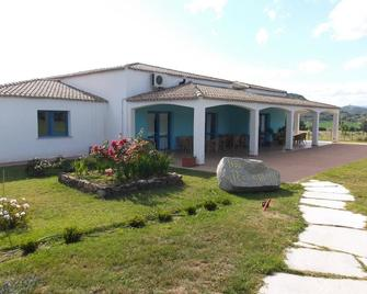 Resort Baia Cea - Bari Sardo - Gebouw