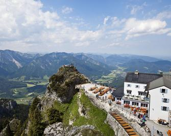 Hotel St. Georg - Bad Aibling - Außenansicht