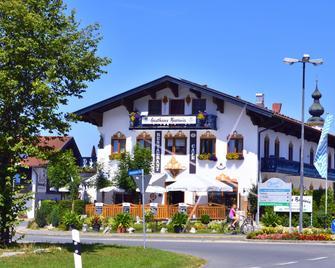 Hotel Gasthaus Café Bavaria - Inzell - Building