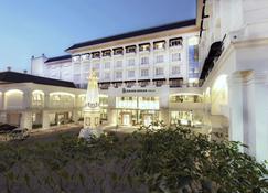 Grand Rohan Jogja - Yogyakarta - Building