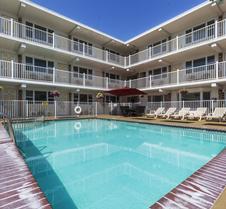 Esplanade Suites, A Sundance Vacations Resort