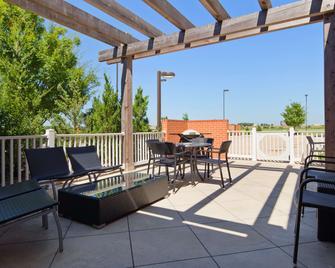 Best Western Plus Patterson Park Inn - Arkansas City - Balkón