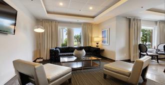 Holiday Inn Express & Suites Gonzales - Gonzales - Sala de estar