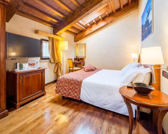 Best Western PLUS Hotel Le Rondini - San Francesco al Campo - Bedroom