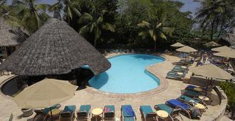 Pinewood Beach Resort and Spa - Mombasa - Bể bơi