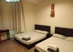 SK Hotel 2 - Lumut - Bedroom