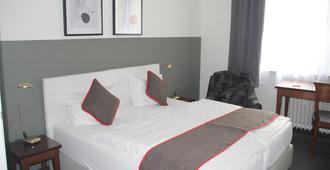 OYO Hotel Enger Hof - Düsseldorf - Habitación