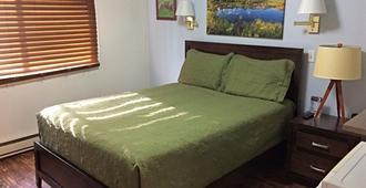 Creekwood Inn - Anchorage - Bedroom