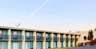Comfort Inn Conference Center - Pittsburgh - Edificio