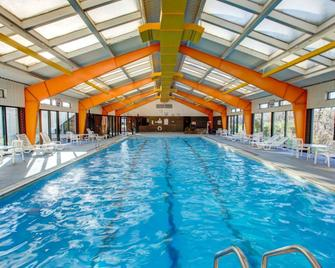 Comfort Inn Conference Center - Pittsburgh - Pool