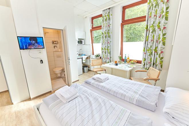 B & L Guesthouse - Bremen - Bedroom