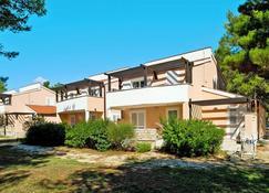 Zaton Holiday Resort - Zaton (Zadarska) - Edificio