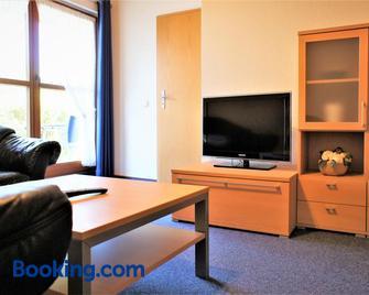 Ferienwohnungen Gaebert - Kellenhusen - Living room