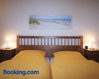 Ferienwohnungen Gaebert - Kellenhusen - Bedroom