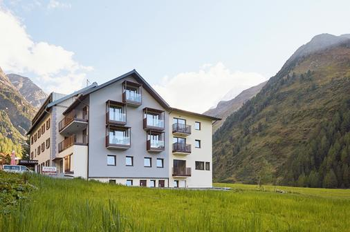 Suitehotel Gampen - Solda - Building