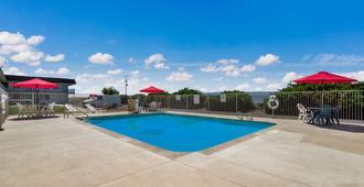 Motel 6 Grand Junction - Grand Junction - Πισίνα