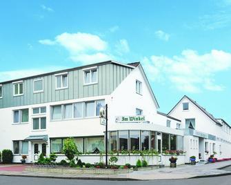 Hotel Restaurant Im Winkel - Elmshorn - Gebäude