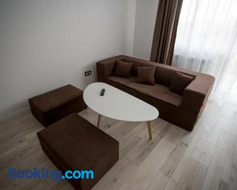 Luxury Suites Bistrita - Bistriţa - Living room