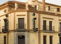 Hostal Julio - Trujillo - Building
